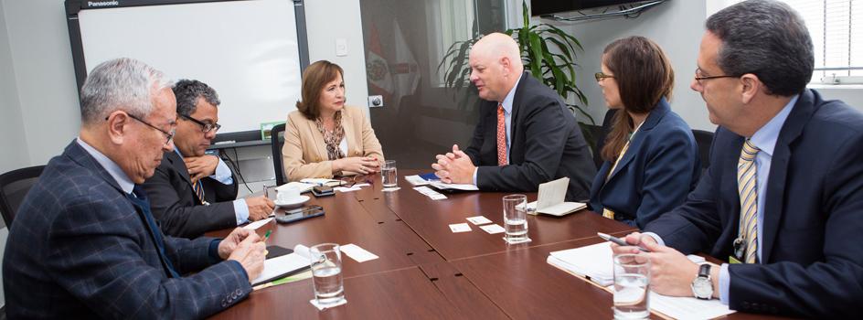 La ministra del Ambiente, Elsa Galarza, se reunió con el director de USAID en el Perú, Lawrence Rubey