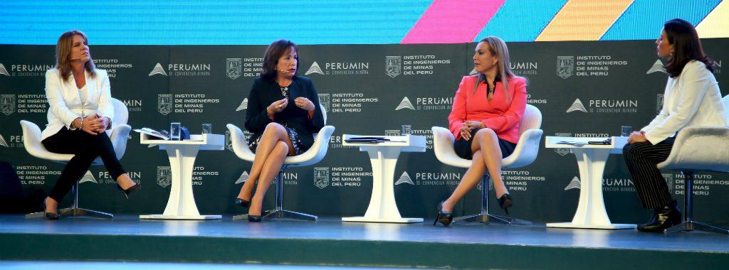 """Ministra del Ambiente, Elsa Galarza, participa en Mesa Redonda de PERUMIN 33: """"El Rol del Gobierno en la Sostenibilidad y Competitividad"""""""