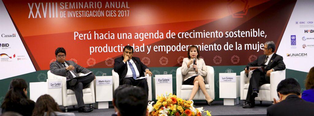 """Ministra Elsa Galarza expone en el XXVIII Seminario Anual de Investigación CIES 2017 """"Desafíos del Cambio Climático"""""""