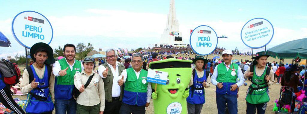 Campaña PERÚ LIMPIO recogió 6.7 toneladas de residuos en la Pampa de Ayacucho