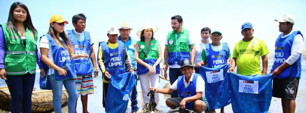 Ministerio del Ambiente y Municipalidad de Huanchaco realizan limpieza de playa en el balneario