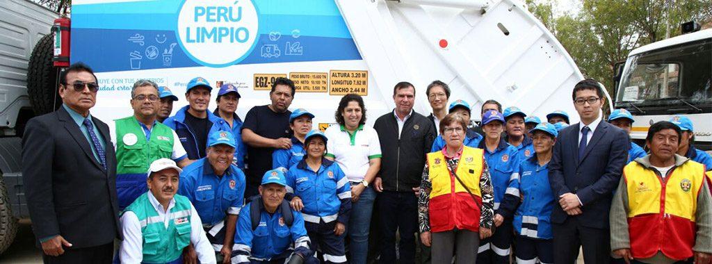 Ministra del Ambiente entrega vehículos de limpieza pública a la Municipalidad Provincial de Chachapoyas