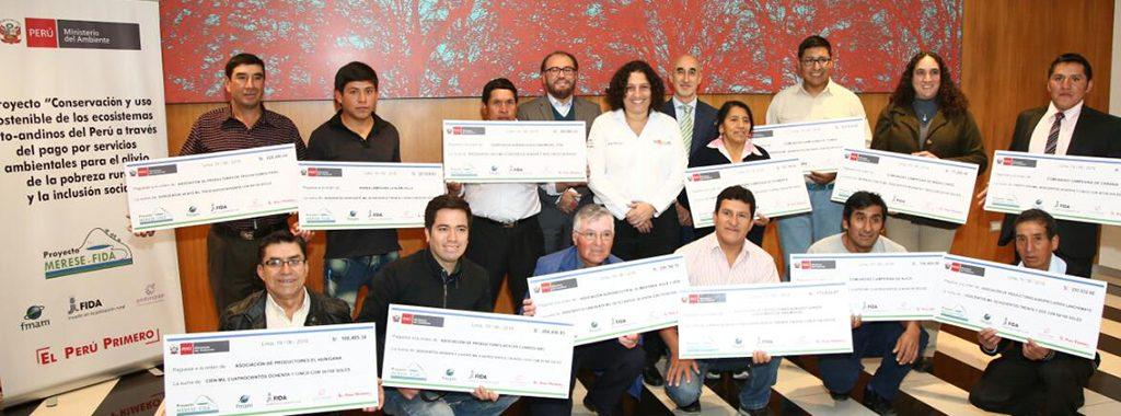 Ministra del Ambiente entrega el financiamiento para la ejecución de catorce iniciativas ambientales en Jequetepeque y Cañete